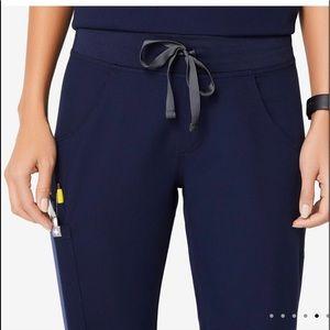 Figs Kade Cargo scrub pants. Worn twice